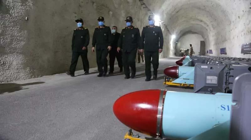 Video / Foto – İran Devrim Muhafızları Ordusu ilk kez yeraltı deniz füzeleri üssünü tanıttı!