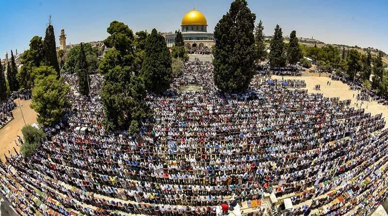 Ramazan'ın İkinci Cuma'sında 200 Bin Kişi Mescidi Aksa'da Cuma Namazı Kıldı